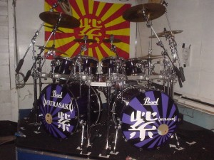紫  Chibi(宮永英一)さんのNEWドラムセットがかっこいい! ココナッツムーン紫ライブ2DAYS